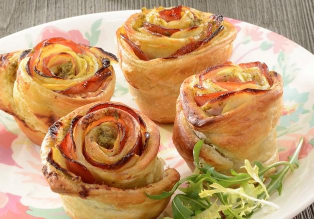 Rose feuilletée aux pommes de terre, bacon & Moutarde à l'Ail des Ours